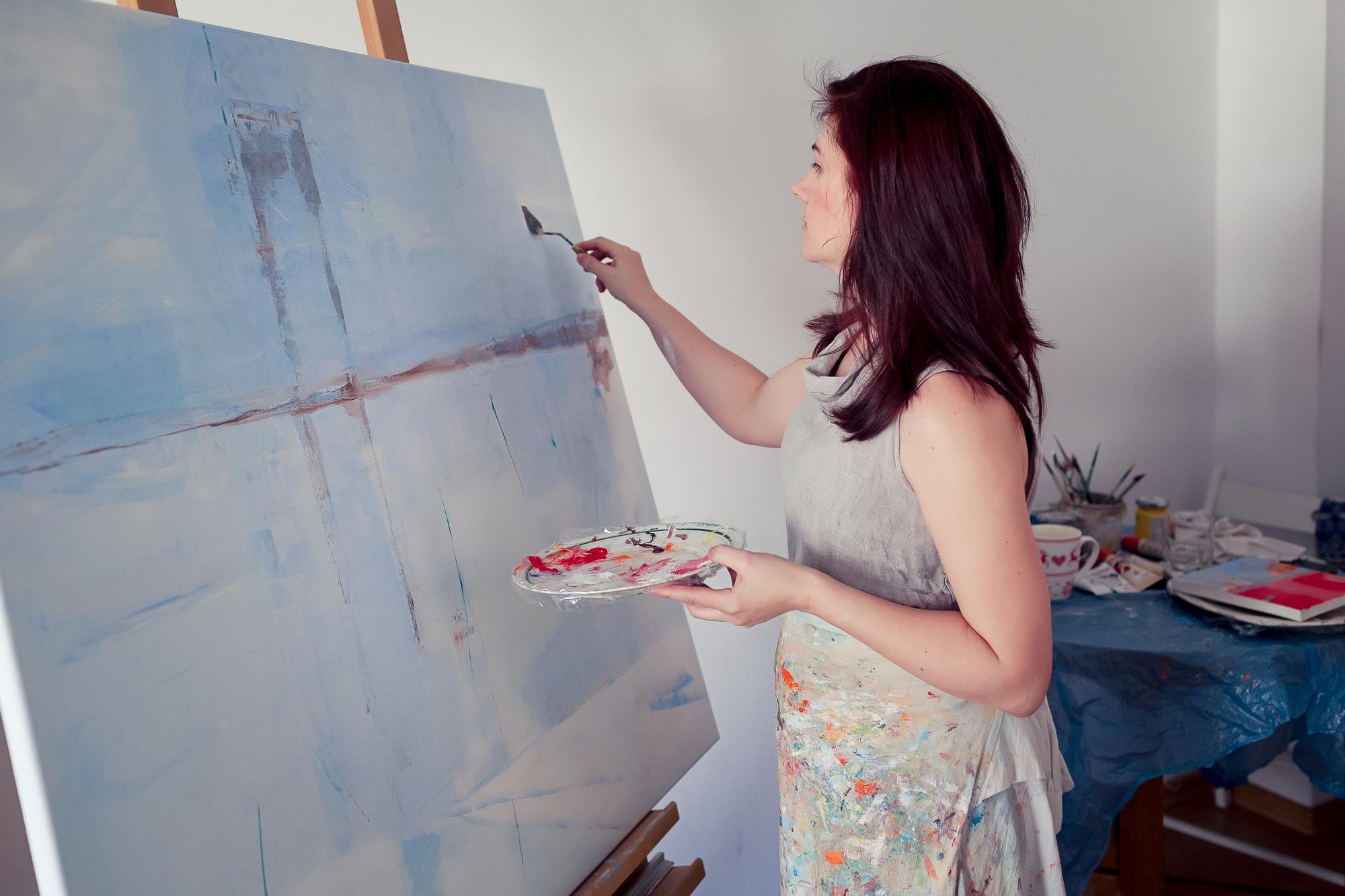 Podczas pracy nad nowym obrazem.
